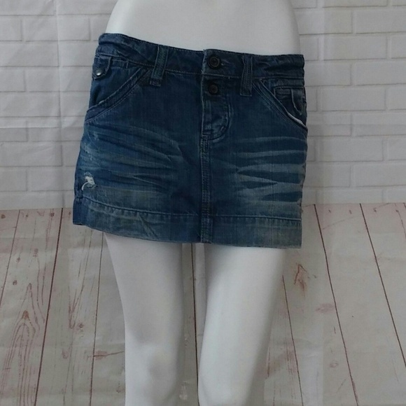 41165a4e03 American Eagle Outfitters Dresses & Skirts - American Eagle 6 Distressed  Blue Jean Mini Skirt
